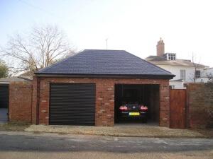 double garage chelt 3